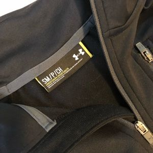 Tops - Under Armour 1/2 Zip Pullover